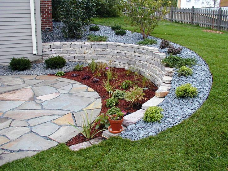 Decorating outdoor cinder block wall | residential_landscapedesign_walls_drystack_patio