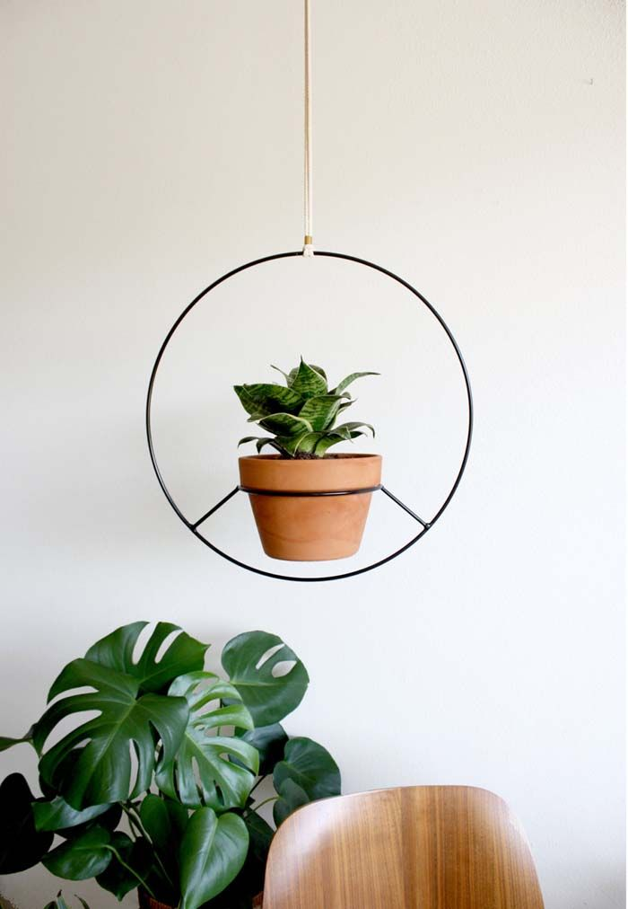 Hanging planter by Norwegian Wood on Etsy | 20 Adorable Etsy Finds for the Home | Poppytalk - plants