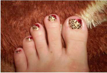 Ke$ha Nails | 13. Ke$ha Tik Tok Toe nails: