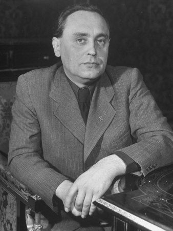 "Ferenc Szálasi  (6 January 1897 – 12 March 1946) was the leader of the National Socialist Arrow Cross Party – Hungarist Movement, the ""Leader of the Nation"" (Nemzetvezető), being both Head of State and Prime Minister of the Kingdom of Hungary's ""Government of National Unity""  for the final three months of Hungary's participation in World War II. During his brief rule, Szálasi's men murdered 10–15,000 Jews.[1] After the war, he was executed by the Soviets for crimes against the state"
