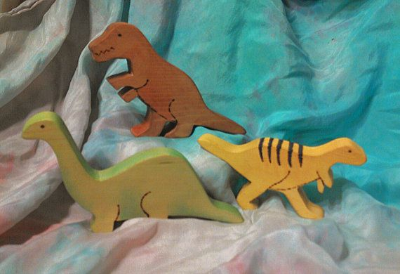 Wooden Dinosaurs // Set of Three // Waldorf Inspired Pine Dinosaurs // Dinosaur Room Decor