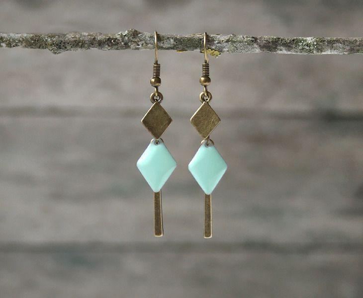 Boucles d'oreilles fantaisie style graphique, losanges bronze et menthe - Bijoux de créateur : Boucles d'oreille par joaty