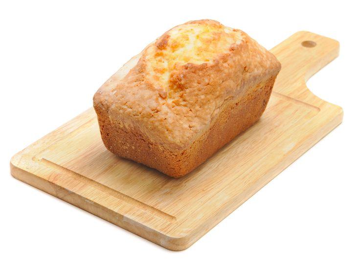 Recept: Koolhydraatarm brood - Koolhydraatarm brood is kort gezegd brood met een verlaagd koolhydraat gehalte. Koolhydraatarm brood moet ten minste 30% minder koolhydraten bevatten tov normaal brood. Normaal brood, zoals volkoren brood, bestaat uit +/-35 à 45 gram koolhydraten per 100 gram. In een koolhydraatarm brood kan je het tarwemeel vervangen door kokosmeel, amandelmeel of sojameel. Al deze koolhydraatarme […]