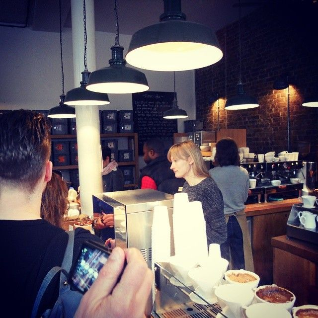 """@Monkee Koffee's photo: """"Esperando en la cola de Monmouth para nuestra ración de café matinal."""""""