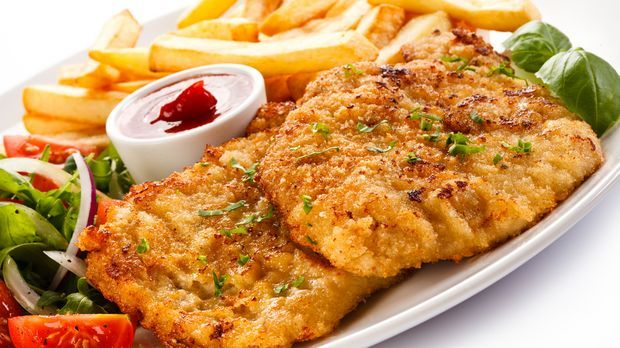 Schnitzel à la Zagreb mit Pommes - So sieht's aus. - Kabeleins