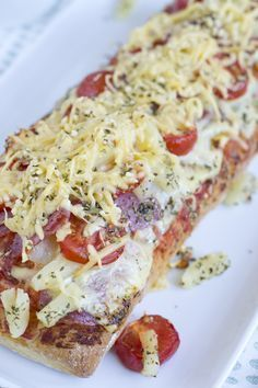 Ciabatta brood met pizza topping