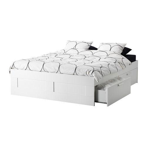 BRIMNES Sängynrunko, jossa laatikot IKEA Neljä suurta laatikkoa tarjoavat reilusti säilytystilaa. €199