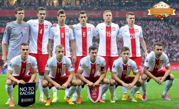 Berikut adalah 23 pemain Polandia yang dibawa pelatih Adam Nawałka ke Euro 2016. Daftar pemain atau skuad Timnas Polandia yang akan berlaga di Piala Eropa 2016 yang mana di babak grup mereka akan m…