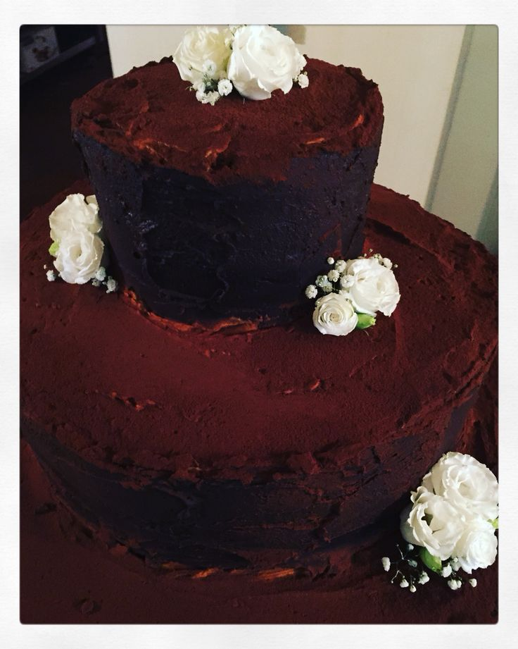 Torta nuziale tiramisù..una meraviglia per i più golosi!! #tiramisu #italianwedding #villaaffaitati #weddingplanner #italy #weddingcake