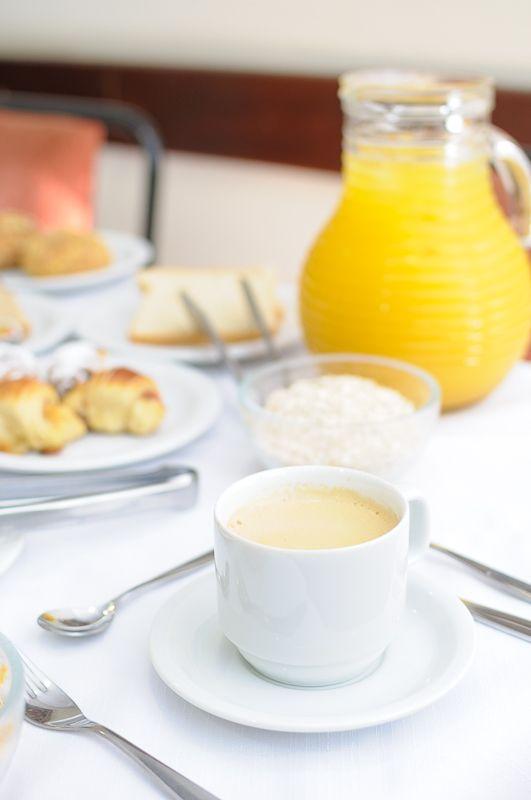Fotografia de ambiente: Café da Manhã em hotel. Veja mais em www.fotodecardapio.com.br #fotografia #foto #fotografo #fotografico #estudio #studio #arquitetura #ambiente #hotel #hoteis #pousadas #turismo #profissional #especializado #alexandrechiacchio #fotodecardapio