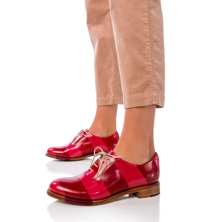 Brush off Italian leather oxford with hand-burnished stripes. This leather is a two-tone leather that has been painted with a top coat and then hand-burnish...