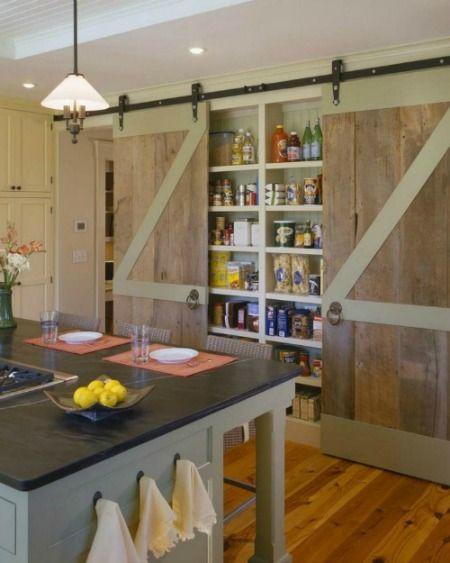 Puertas correderas tipo granero para interiores. Despensa de cocina #Barndoor