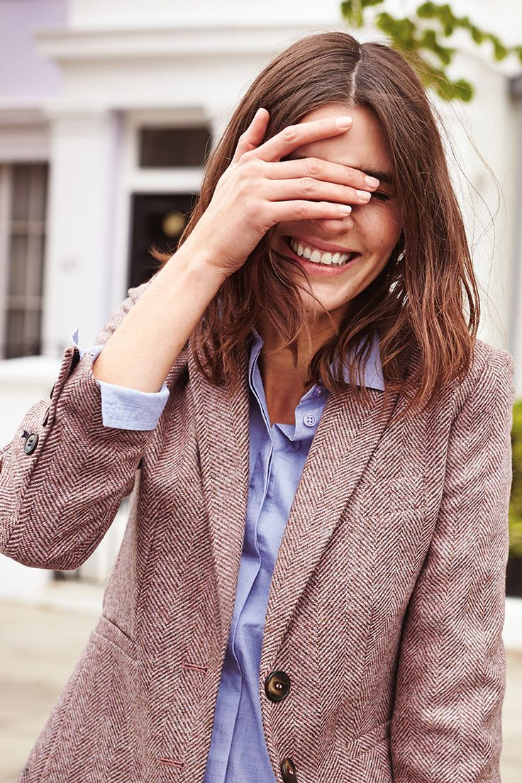 Tweed fabric, vintage vibes and a cool contemporary cut: these blazers are as British as a cucumber sandwich. We've given the heritage style a sophisticated update with a classic, fitted shape and playful printed lining.