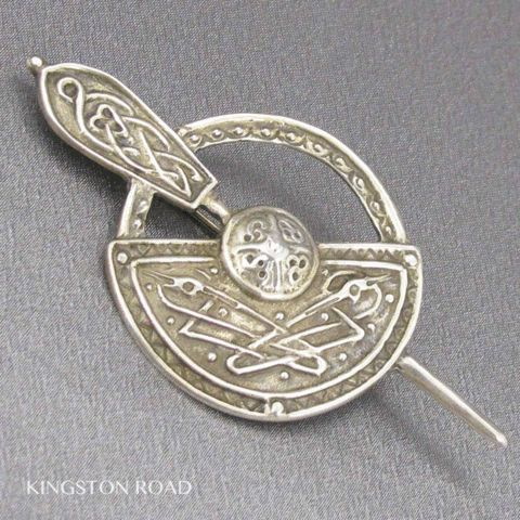 Sterling Silver Celtic Shield Vintage Kilt Pin or Vintage Brooch from Scotland   KINGSTON ROAD