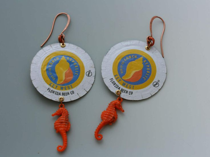 Bottle cap earrings. Florida Beer Company. Coral blue gold