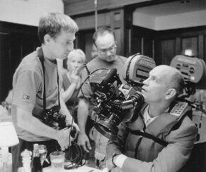 John Malkovich y Spike Jonze en el set de Being john malkovich