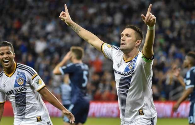 Irlandczyk pięknie pokonał bramkarza w Major League Soccer • Sporting Kansas City vs Los Angeles Galaxy • Zobacz gola Robbie Keane'a >> #MLS #RobbieKeane #MajorLeagueSoccer #Soccer #Sport #Football #Piłkanożna