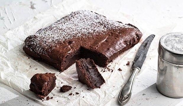 Το ωραιότερο μαστιχωτό brownies με πολλή σοκολάτα, και μαμαδίστικο παγωτό καραμελωμένη μπανάνα, από την Αργυρώ μας!