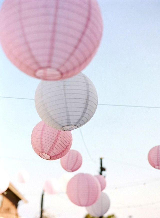 Sterling Style: Pink Paper Lanterns, Pastel Cerveza Tennis, Color, Summer Picnics, Parties Pink, White Paper, So Pretty, White Lanterns, Outside Decor