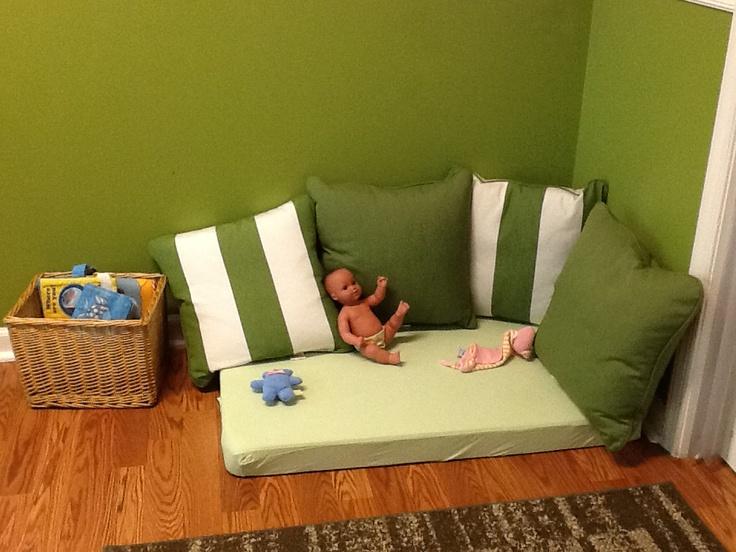 Quiet Area For Infants Amp Toddlers Montessori Pinterest