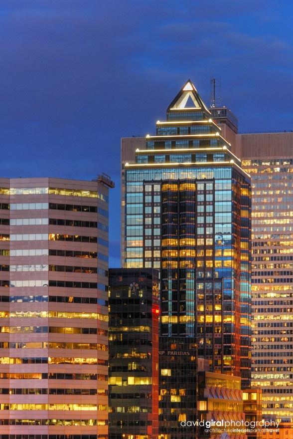 Avenue McGill College | Interesting buildings, Montreal ...
