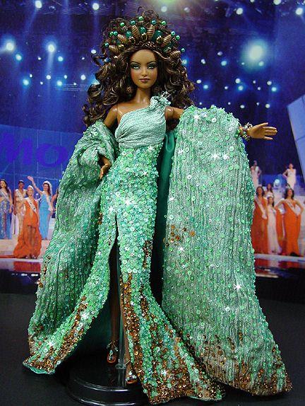 OOAK Barbie NiniMomo's Miss Manhattan 2009
