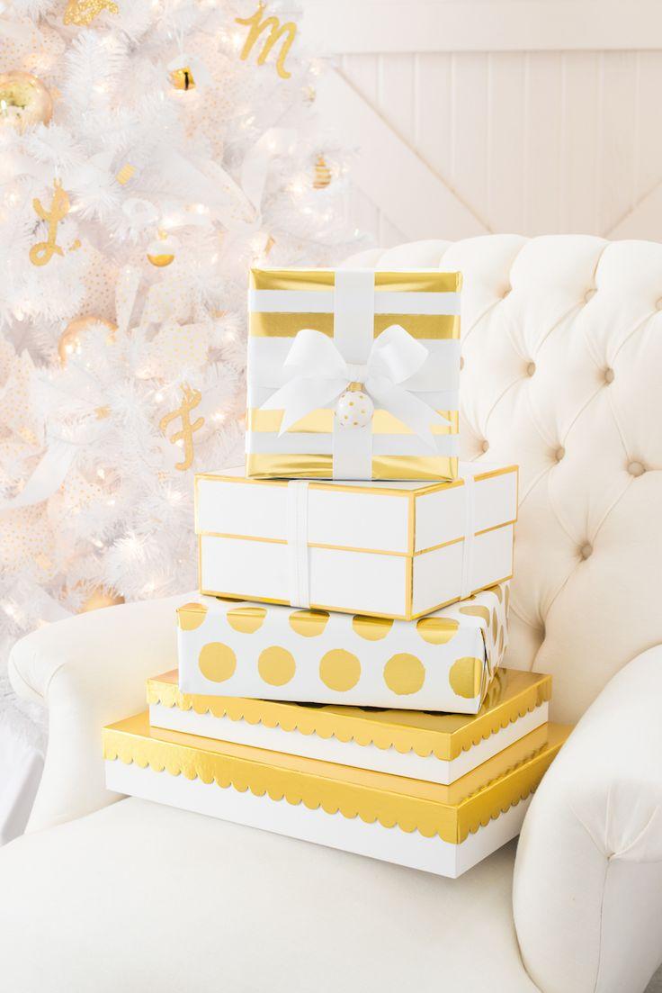 Arany- fehér ajándékdobozok