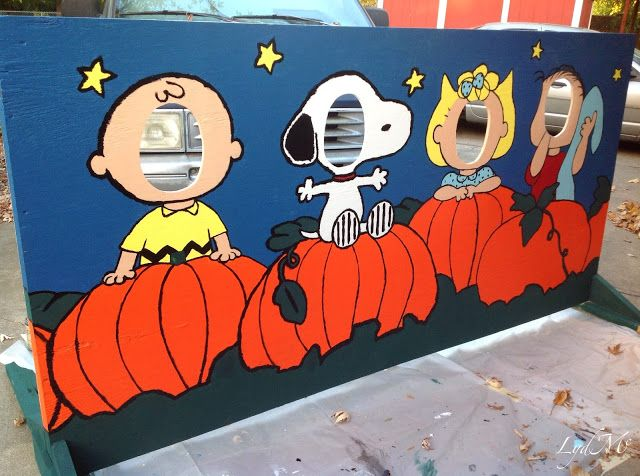 LydMc: Painting for Peanuts: A Harvest Festival Cut-Out Board ... Charlie Brown, Snoopy, Sally or Linus - who do you want to be? :)