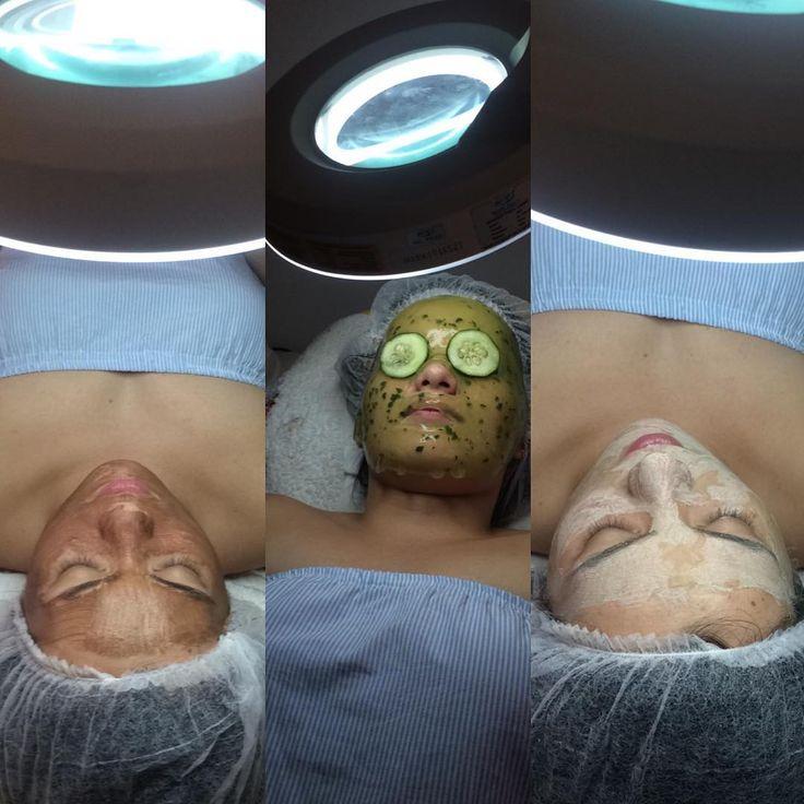 ��Diferentes tipos de mascarillas durante la limpieza facial. �� Cada una de estas mascarillas cumple una función específica desde Eliminar aspecto graso, hidratar y tensar ������ #paolacastroluxestetica #spa #barranquillacity #colombia #cosmetology #belleza #health #face #limpiezafacial #estetica #manosprodigiosas #acne #hidratacion ���� http://tipsrazzi.com/ipost/1513192728870157193/?code=BT_8MUJAnuJ