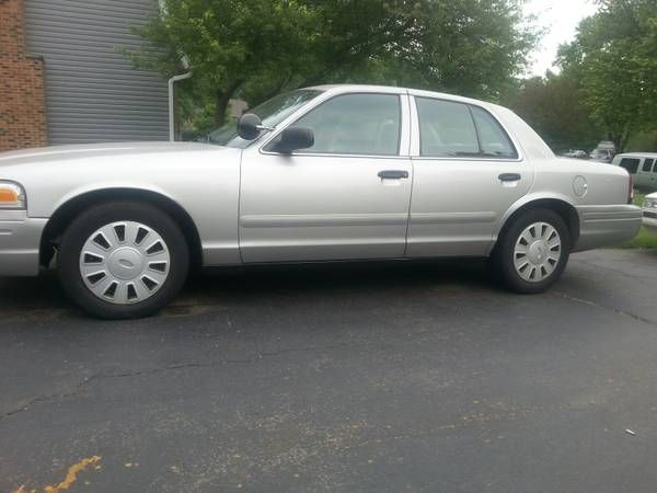 2008 Ford Crown Victoria police (niles) $3800