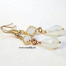 handgemaakte bruidsoorbellen opaal speciaal bijzonder