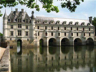 Chateau de Chenonceau in the Loire Valley. Often mentioned in the TV series Reign as the #chateau that Henri II gave to his mistress