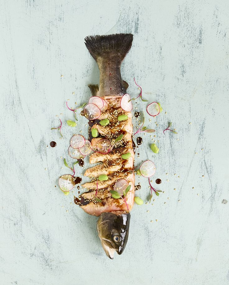 The perfect january meal - Sushi  #sushi # sashimi # fish #salmon #laks #japanesefood #healthy #sunt  #foodie #foodstyling #foodphotography @frkengebakken
