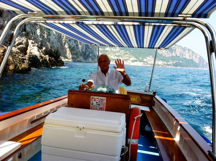 Vittorino's boat info@paolinocapri.com