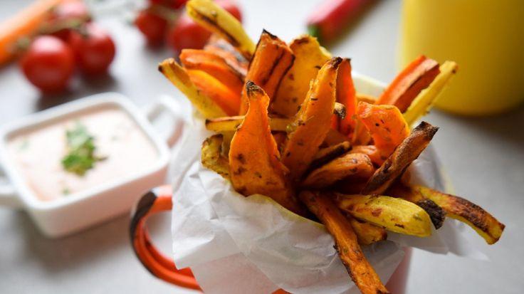 Kolorowe frytki z pieczonych warzyw