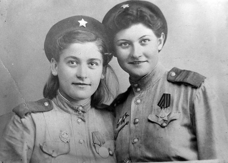 Best Soviet Female Snipers Of WWII Snipers Catherine Golovakha (on the left) and Nina Kovalenko (on the right). Nina Kovalenko killed 100 fascist occupants.