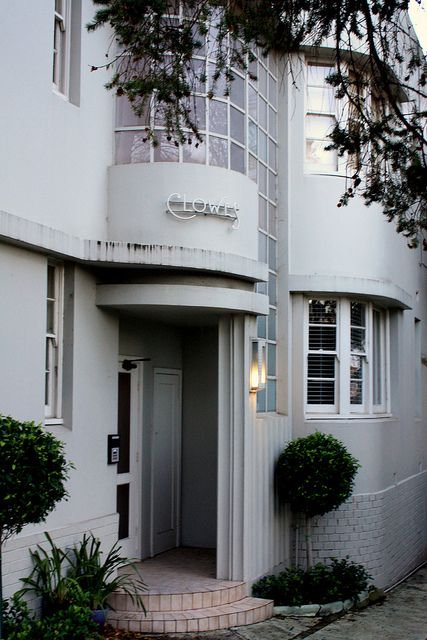 art deco style - Clowes apartments, 2 Clowes Street, South Yarra.