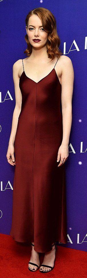 """Emma Stone in The Row attends the London premiere of """"La La Land"""". #bestdressed"""