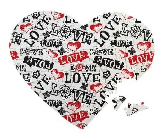 Puzzle legno cuore con scritte d'amore