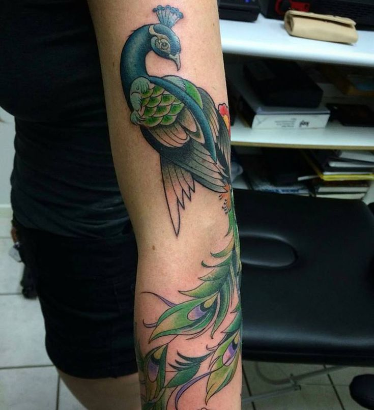 25 best ideas about peacock tattoo sleeve on pinterest peacock feather tattoo dreamcatcher. Black Bedroom Furniture Sets. Home Design Ideas