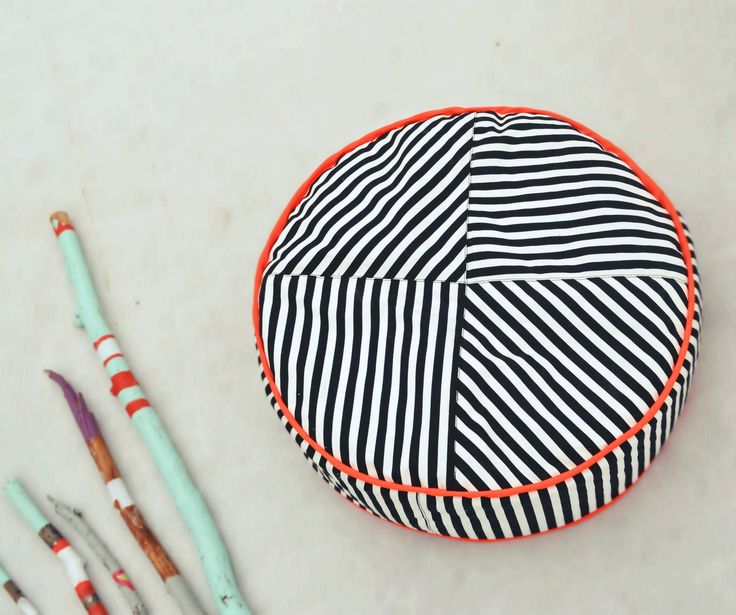LittleNOMAD's razzle dazzle pouf available here: littlenomad.pakamera.pl, direct order: hellolittlenomad@gmail.com #handmade #design #kidsroom #playtent #pouf #ottoman #neons #stripes #b&w