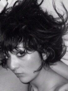 So hard 2 air brush out an ex..think I did quite well here..(except for the arm behind my head) #exboyfriend #ex #bighair #zooey #bedhead #60's #vintage #eyeliner