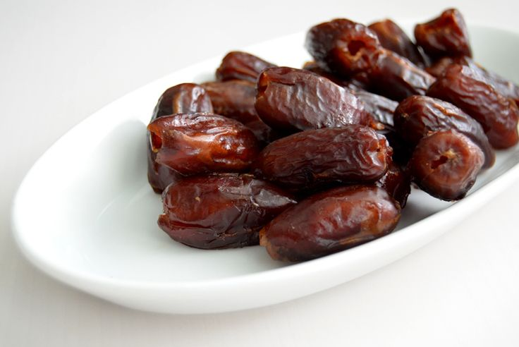 Fresh dates before they became Serrano wrapped. Beso del Sol Sangria Tapas party | via A Cook's Canvas