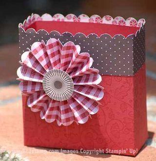 Shoebox Crafts : DIY A Paper Flower  Treat Box
