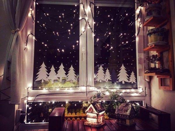 15 Easy And Creative Diy Outdoor Lighting Ideas Window Decor Christmas Window Decorations Christmas Window Decoration