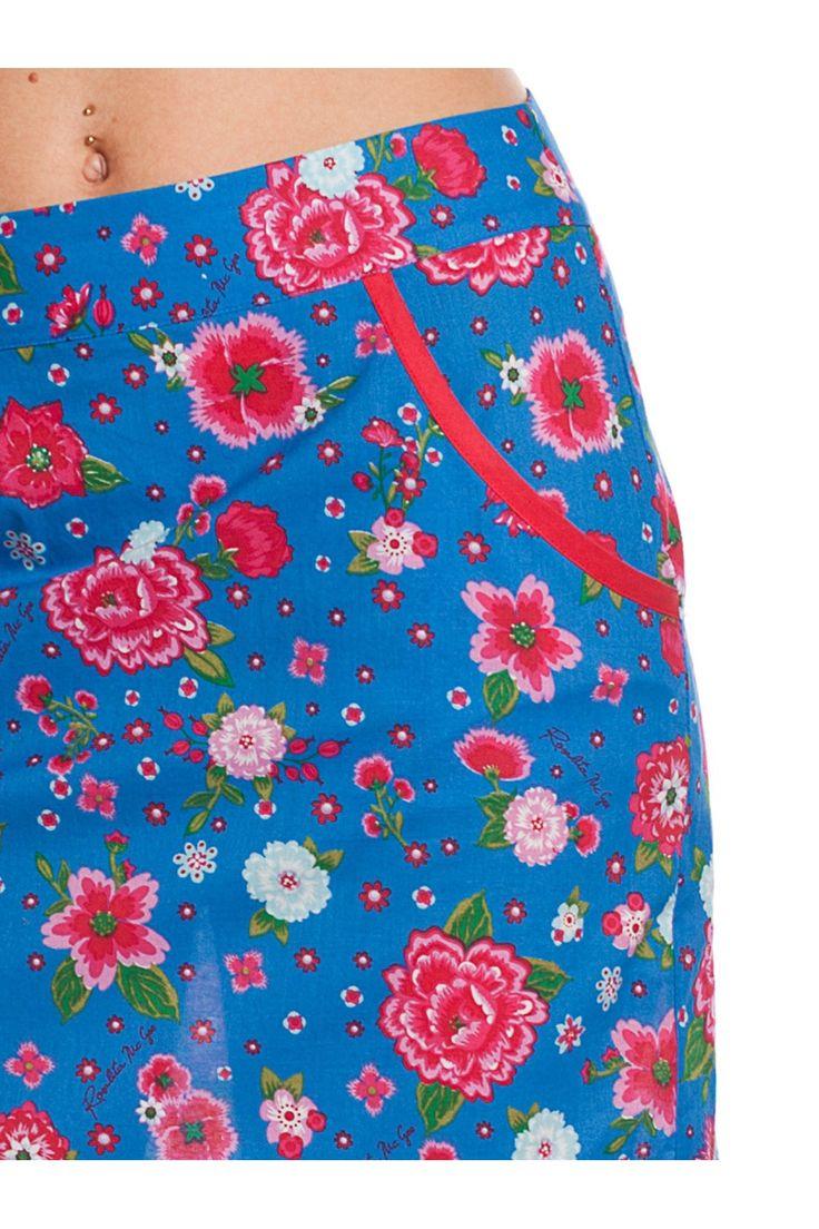 Falda con estampado floral y cintas. - MUJER | Rosalita McGee #flores #faldaflores #estampadofloral #flowers #modaprimavera #springstyle #skirt #floresrojas #faldaazul