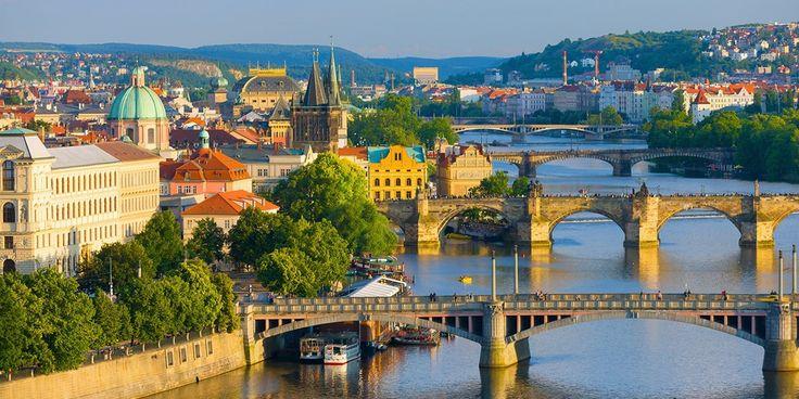 Danube River Cruise & 5-Star Hotel Stay, Half Off Prague ?