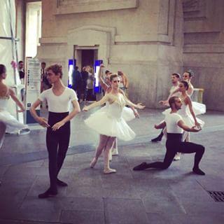 alexvittorio_lana Welcome to Milano #welcome #milano #stazionecentrale #ballet #dream #itstartswell #amazingballet #bravissimi