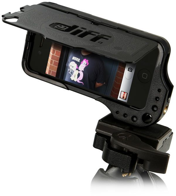 I've ordered the Glif ... but I just might need to buy the ThinkGeek too :: DiffCase iPhone 4/4S Case with Tripod Mounts