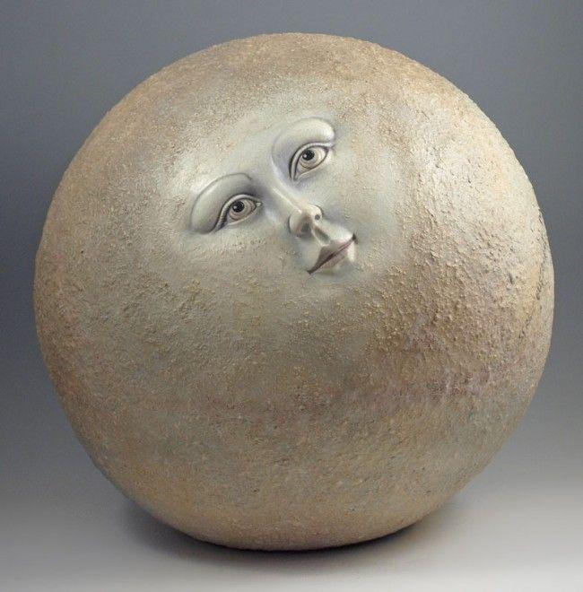 sergio bustamante sculptures | 142: SERGIO BUSTAMANTE MOON MAN 16'' dia. : Lot 142